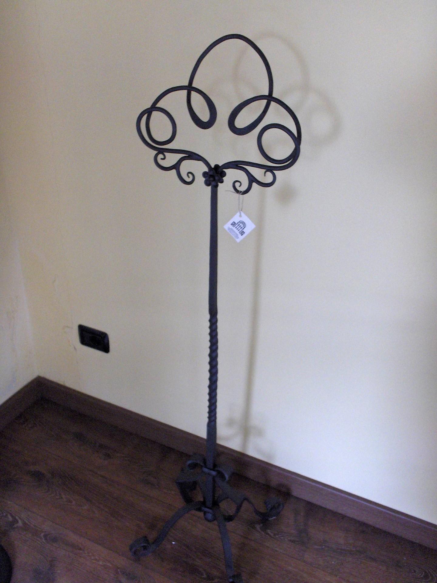 Oggetti vari in ferro battuto la casa del ferro battuto for Oggetti x la casa