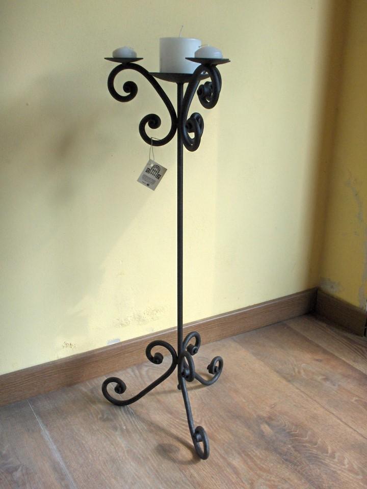 candelabro in ferro battuto